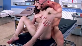 BRAZZERS &ndash_ DIRTY DOCTOR FUCKS CYTHEREA - BucetaHD.com