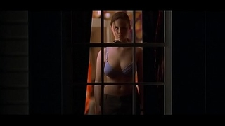 Thora Birch Exposing Their way Big Boobs on Camera in American Beauty
